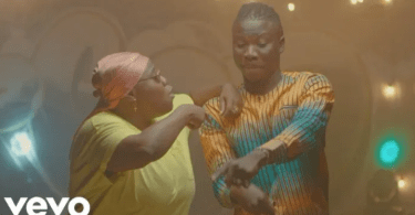 Download Video-Stonebwoy – Ololo Ft Teni