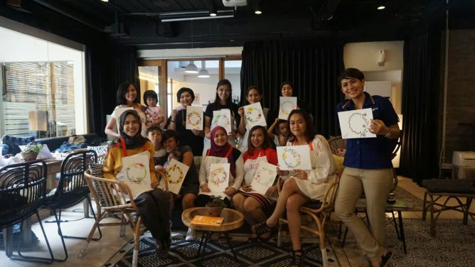 Peserta Art For Happy Mom foto : @meganovelia