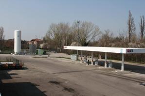 EESS de GNL y GNC en Modena Italia