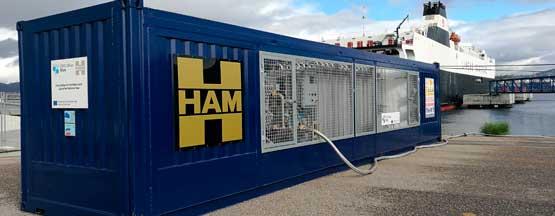 Unidad móvil diseñada, construida y puesta en marcha por HAM que suministra GNL a un generador que provee electricidad a buques ro-ro en el Puerto Vigo