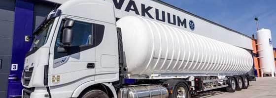 Transportes HAM utiliza para el transporte por carretera las cisternas diseñadas y fabricadas por Vakuum, empresa de Grupo HAM