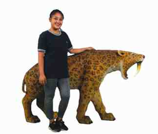 Smildon Saber-Toothed Cat statue