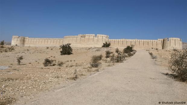 پریوں کا تالاب٬ کیا آپ جانتے ہیں کہ دیوارِ سندھ کا معمہ کیا ہے؟ 6