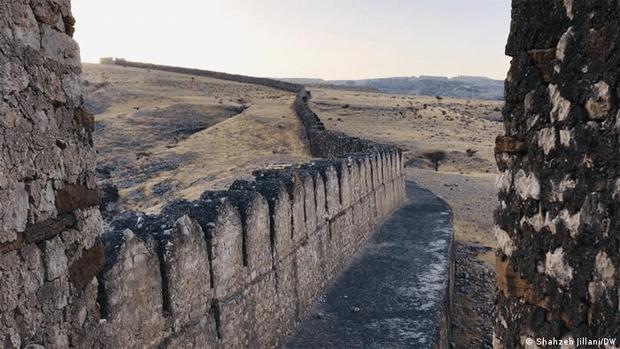 پریوں کا تالاب٬ کیا آپ جانتے ہیں کہ دیوارِ سندھ کا معمہ کیا ہے؟ 7