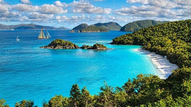 زندگی میں موقع ملے تو نمبر 3 پر ضرور جائیں-- دنیا کے 7 پرکشش ترین ساحل جو کسی پر بھی اپنی خوبصورتی کا جادو چلا سکتے ہیں 8