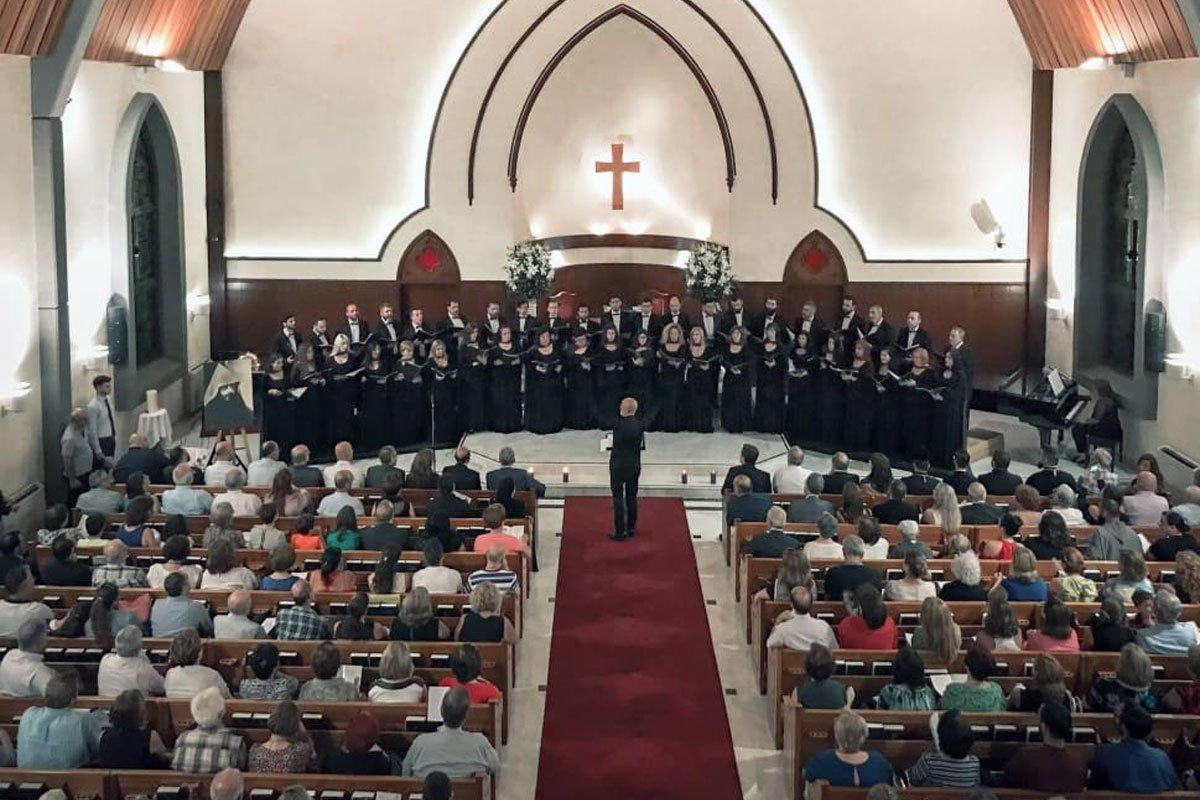 Համազգայինի «Գուսան» երգչախումբը արժանավայել կերպով նշեց Կոմիտասի 150-ամեակը (Լիբանան)