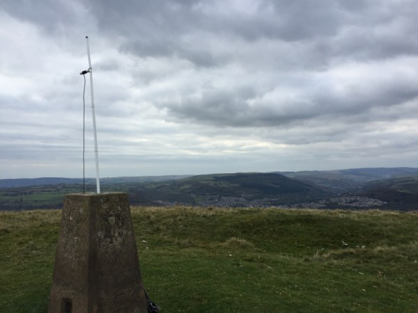Again Using a Trigpoint (TP5015) to Support the 2m Dipole