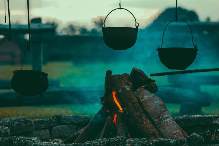 La magia del ritual de la tradicional queimada gallega