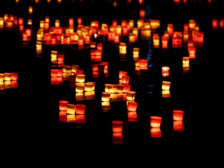 El temblor de las velas, por Jesús Aguado