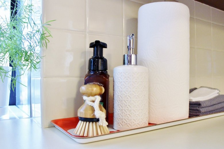 1-hour Tidying Projects for Your Home: Even if you're not ready to purge the whole house, you can start small. These one-hour projects are quick, easy, and can help clear the clutter so you can access the items you love. | Hammer & a Headband