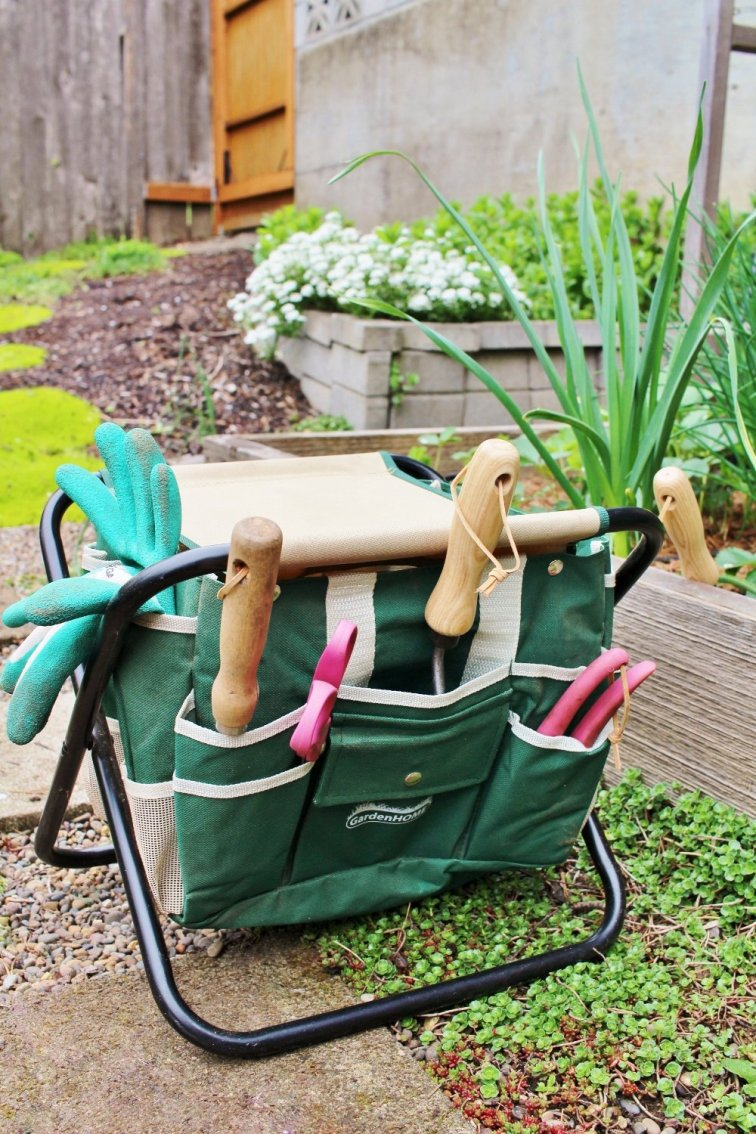 Here's the folding chair and garden caddy I use
