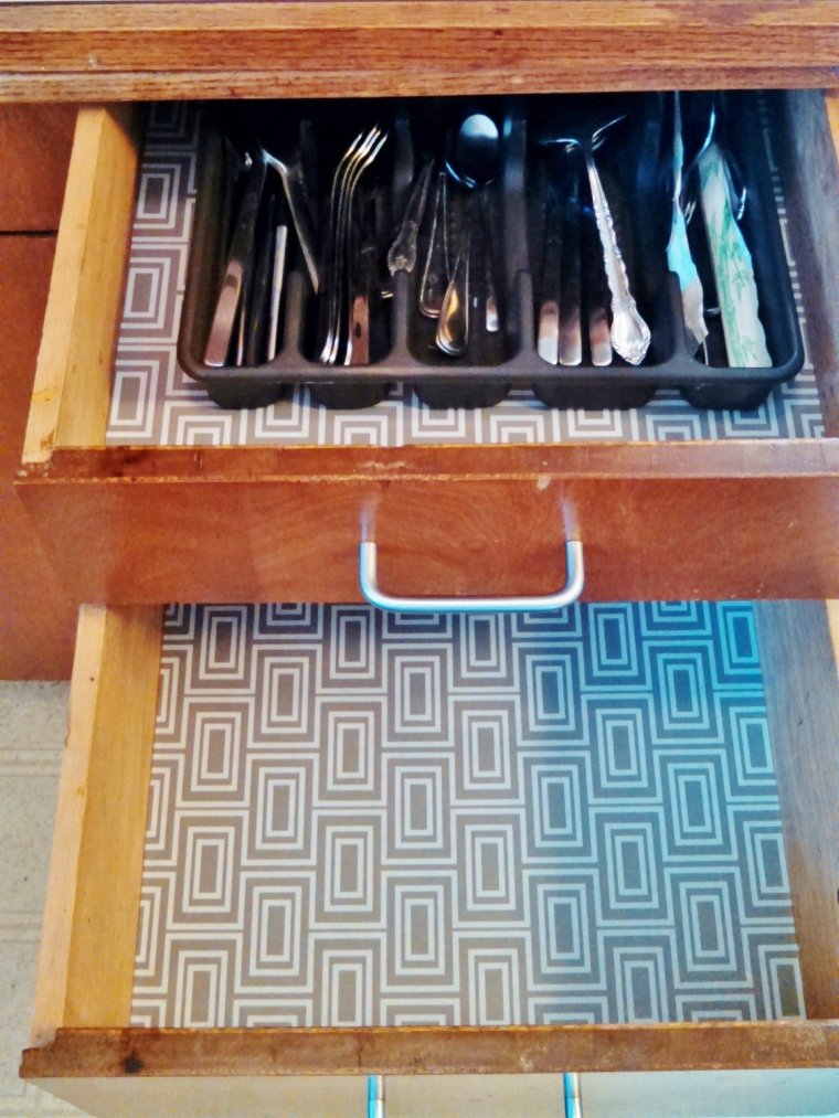 Quick Updates for a Mid-Century Modern Kitchen: Modern contact paper lining drawers.