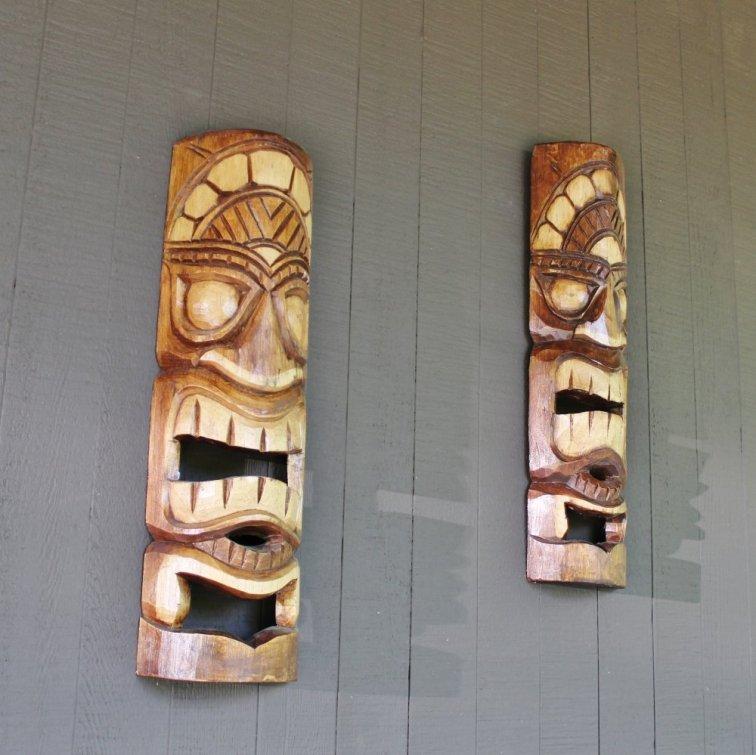 Outdoor tiki art for mid-century modern patio