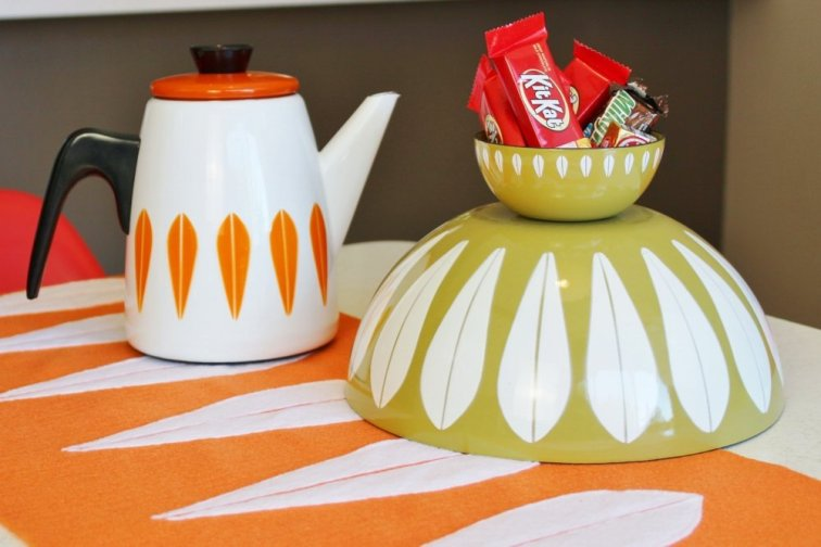 Cathrineholm bowls and coffee pot on handmade lotus table runner