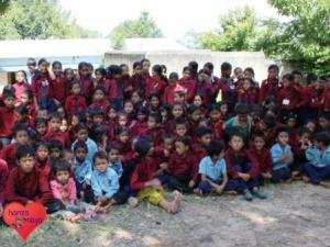 Kinder in den Dörfern Nepals haben es schwerer.