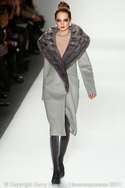 Mercedes Benz 2011 New York Fashion Week Hananexposures Veneziana Fall 2011 (9)