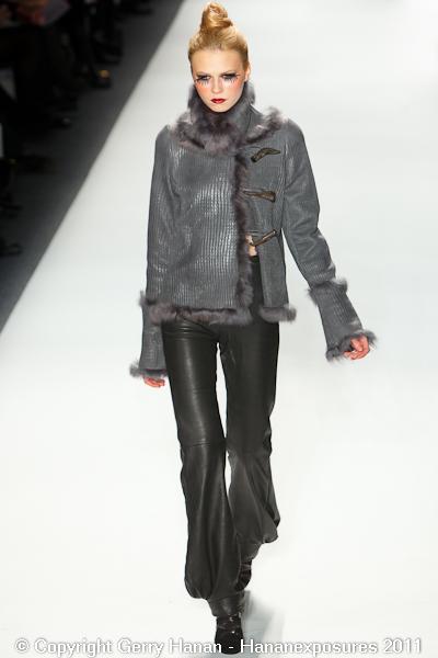 Mercedes Benz 2011 New York Fashion Week Hananexposures Veneziana Fall 2011 (16)