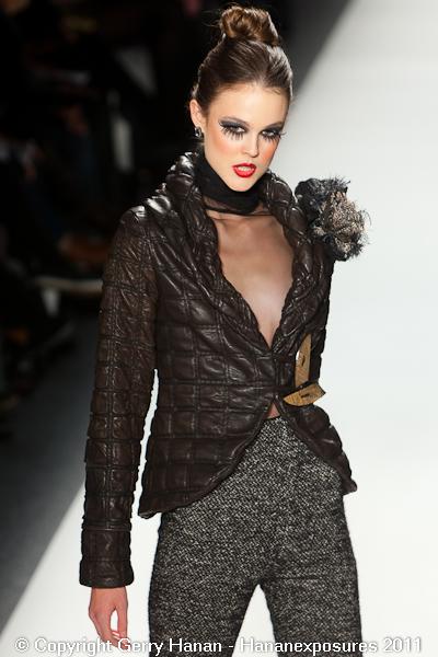 Mercedes Benz 2011 New York Fashion Week Hananexposures Veneziana Fall 2011 (19)