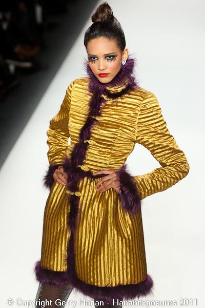 Mercedes Benz 2011 New York Fashion Week Hananexposures Veneziana Fall 2011 (27)