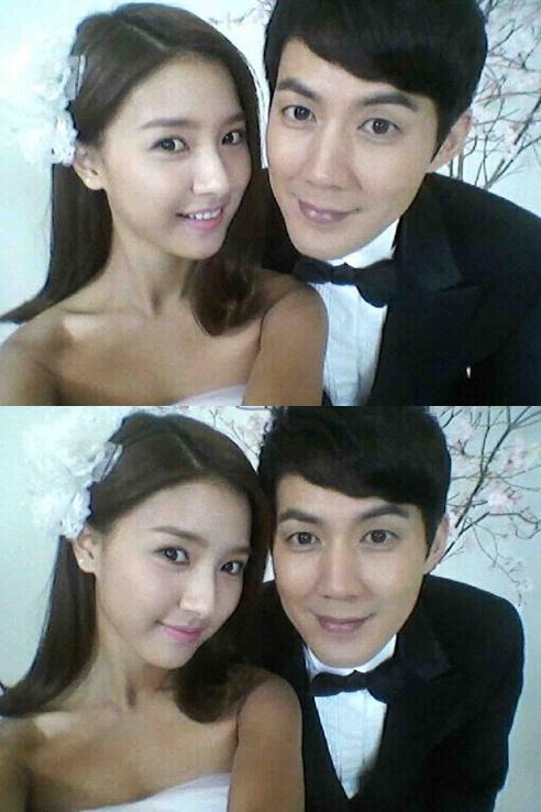 Kim So Eun And Ryoo Jin In Wedding Self Shot HanCinema