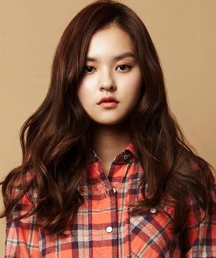 Actress Kim Yoon Hye (Bella) looks like Lee Hi IMO - Random - OneHallyu