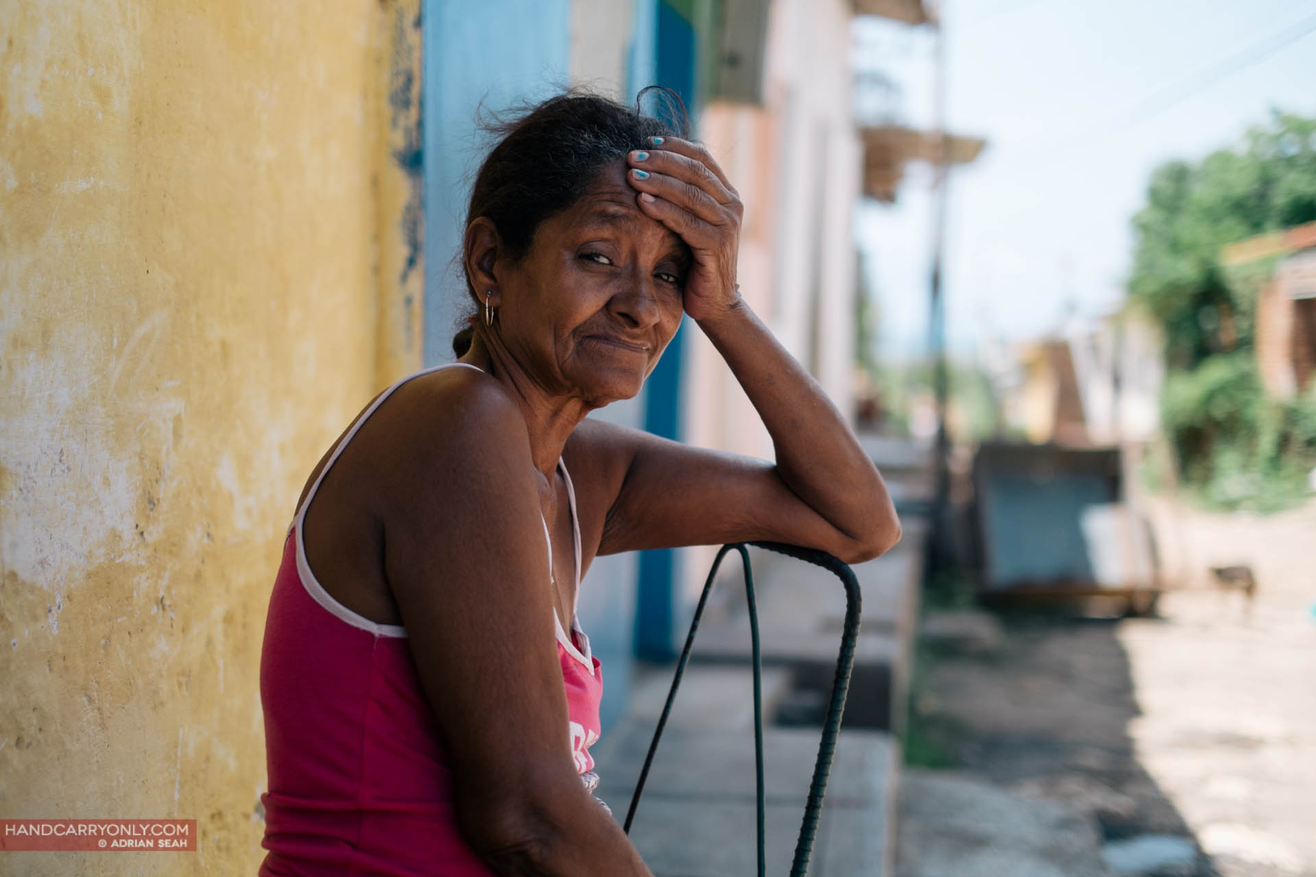lady in tank top portrait cuba