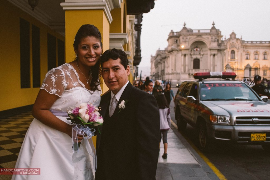 A newly-wed couple at Plaza de Armas