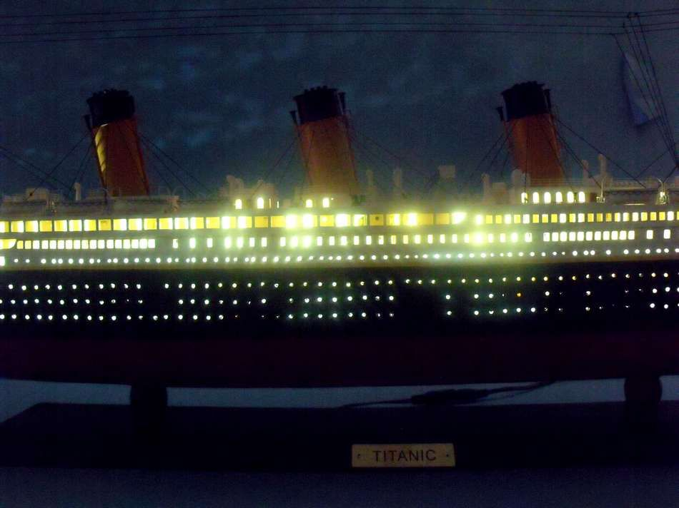 Buy RMS Titanic Limited Model Cruise Ship 40 Inch W LED Lights Boat