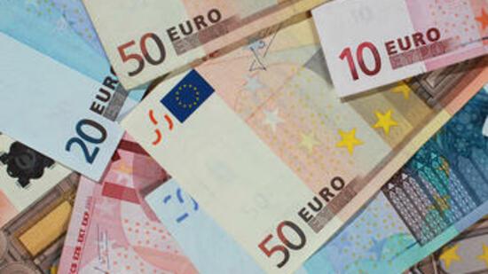Euro-Scheine: Eine Welt ohne Bargeld bringt das Wirtschaftssystem durcheinander, sagen Ökonomen Quelle: dpa