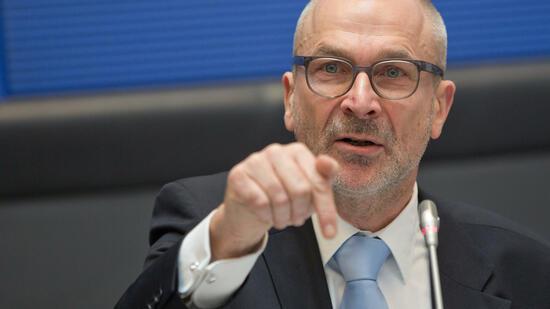 Der Grünen-Politiker Volker Beck legt all seine Ämter nieder – wegen des Vorwurfs des Drogenkonsums. Quelle: dpa