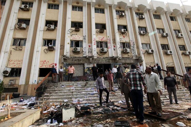 Die al-Azhar Universität nach den Protesten: 25 Demonstranten wurden festgenommen. Quelle: dpa