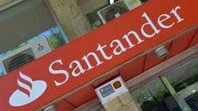 Spanische Großbank: Kauf von Krisenbank drückt Gewinn von Santander