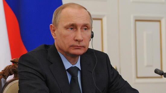 Die Initiative Putins soll Signalwirkung auch für die Parlamentsabgeordneten, die Senatoren im Föderationsrat sowie Tausende andere Staatsdiener haben. Quelle: dpa
