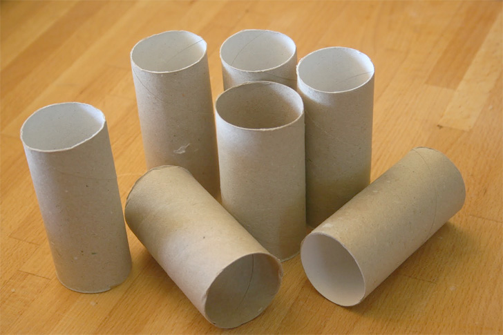 Toilet Paper Roll Race Cars 01