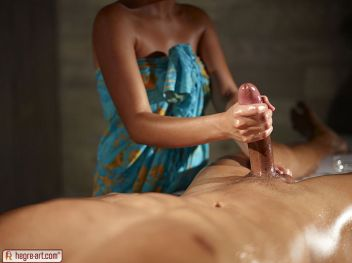 Masseuse-gives-his-big-cock-an-erotic-massage-07