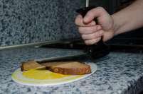 Fotografie eines gelenkschonenden Brotmessers