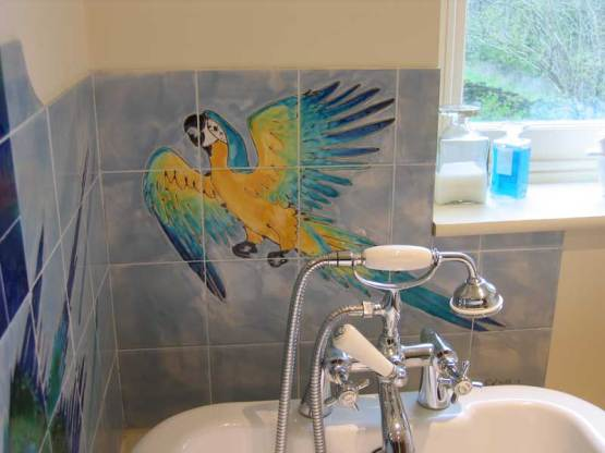 Parrots bathroom tiles 2