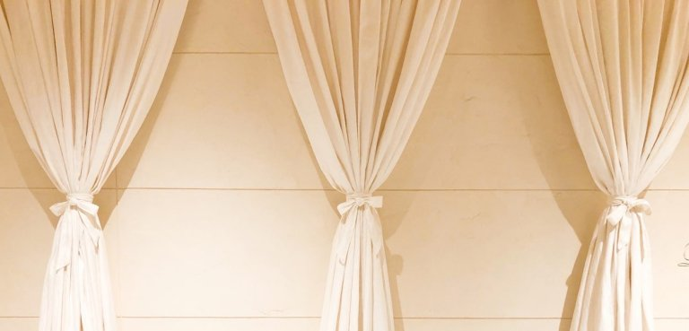 curtains installation in Dubai