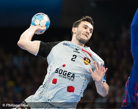 efbf42c48a ... the first act Nantais is missed. Quick, fast … half-time to move on.  Because Barcelona inflicts a handball lesson here on his host.