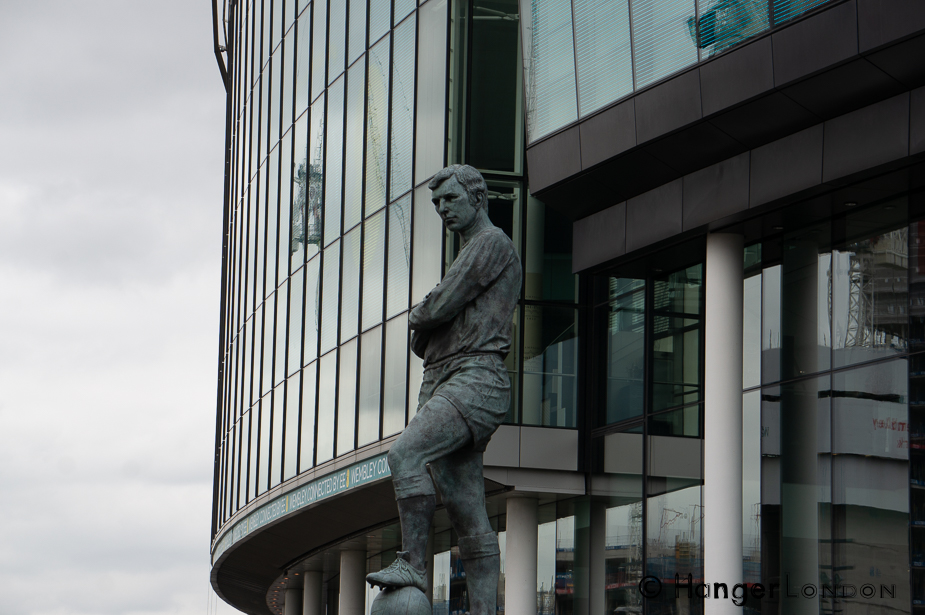 profile view Bobby Moore Statue Outside Wembley Stadium byRoyal Sculptor Philip Jackson it stands 6.1meters high / 20 Feet in Bronze 2007