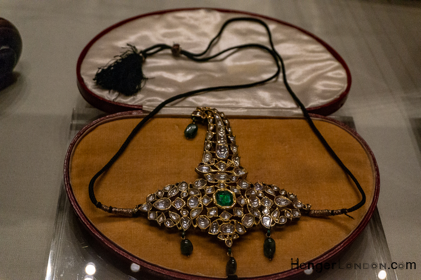 Turban Jewellery Empire of the Sikhs Exhibition Brunei Gallery