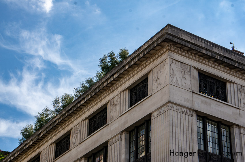 99 Kensington High street building stone embelishment