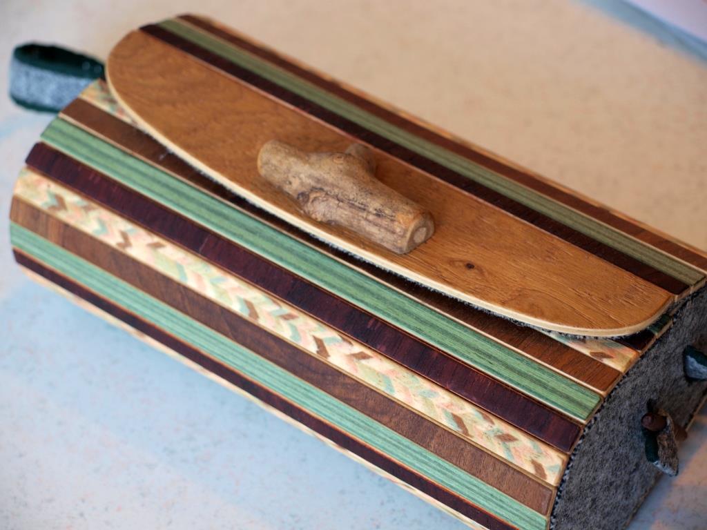 Holzhandtasche Neuholz