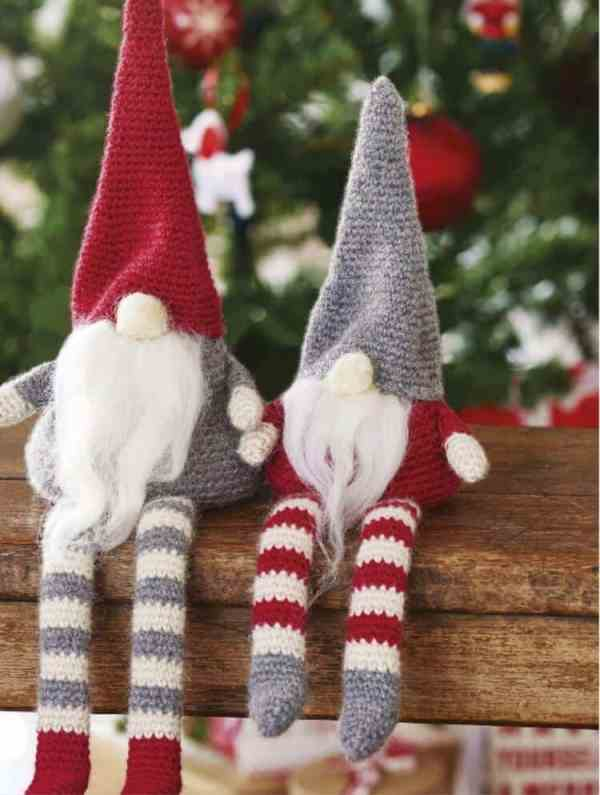 Simply Crochet Magazine Issue 38, crochet christmas gnomes and wreath by Hannah Cross HanJan Crochet