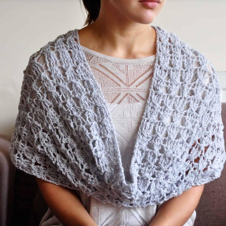 free crochet pattern the classic cowl by HanJan Crochet