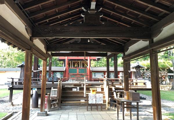 ★奈良の氷室神社。境内