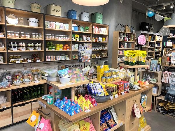 20190621ブルーブルーエ下北沢店(デトール ア ブルーエ)。可愛い&美味しそうな食べ物がズラッと並んだ店内