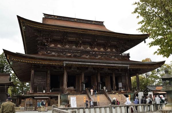 202104春の奈良一人旅。吉野の「金峯山寺」の本堂「蔵王堂」を外から