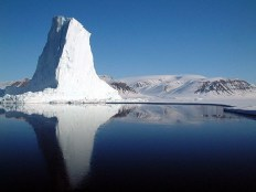 An iceberg at the edge of Baffin Bay