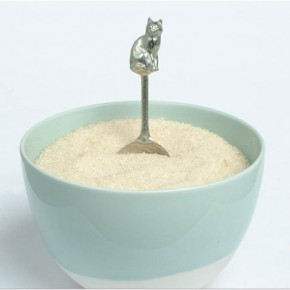 Pewter cat spoon, Notonthehightstreet.com, £19.50